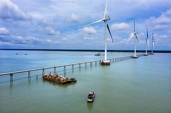 Dự án điện gió biển Đông Hải 1 hoàn thành lắp đặt trụ gió cuối cùng