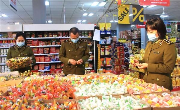Lai Châu: Xử lý nghiêm các vi phạm về an toàn thực phẩm trong dịp Tết Trung thu