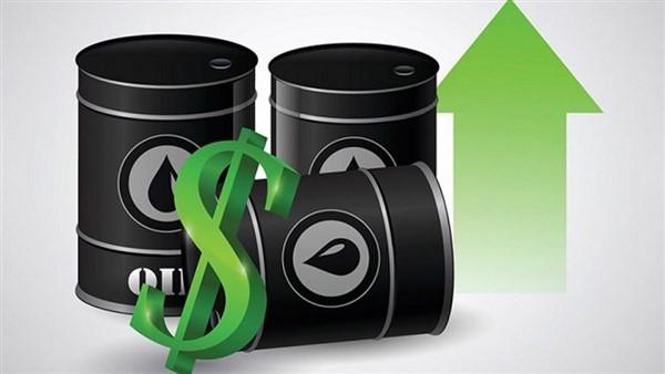 Giá dầu đạt mức cao nhất trong nhiều năm do nguồn cung thắt chặt