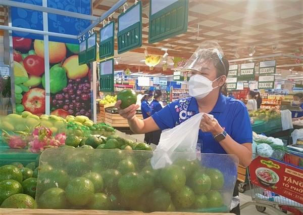 Saigon Co.op tiếp tục giảm giá hàng hóa và hỗ trợ tiêu thụ nông sản cho nông dân