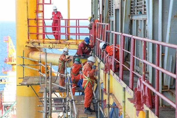 Giải bài toán sản lượng khai thác dầu khí
