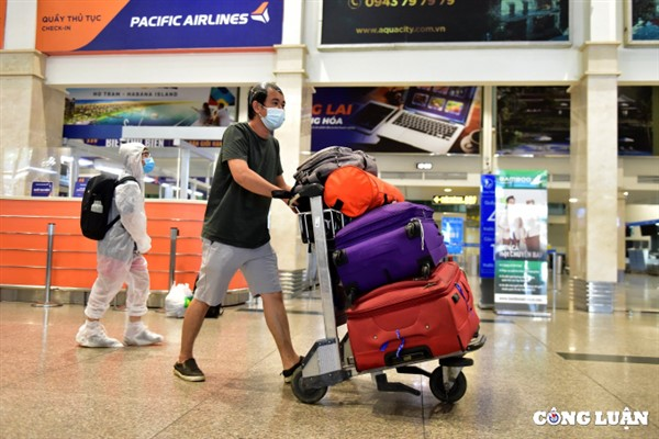 Hành khách đi máy bay phải tuân theo những quy định gì sau ngày 20/10?