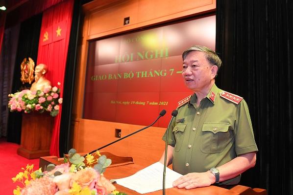 Bộ trưởng Tô Lâm: Tập trung xử lý các loại tội phạm lợi dụng tình hình dịch bệnh Covid-19 để gia tăng hoạt động