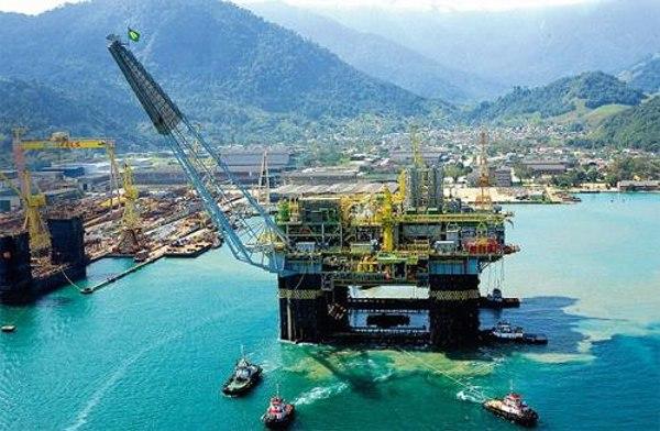 Giá xăng dầu hôm nay 18/9: Quay đầu giảm khi nguồn cung tại Vịnh Mexico trở lại