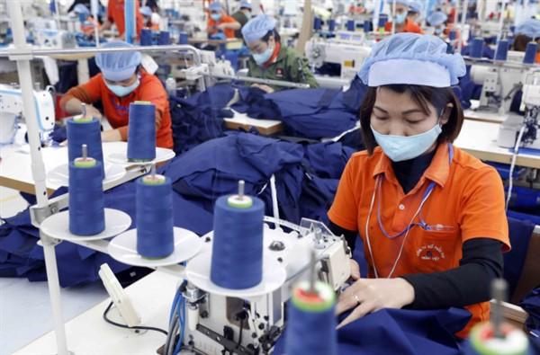 Hiệp hội Dệt may đề nghị miễn thuế vải, Bộ Tài chính không đồng ý