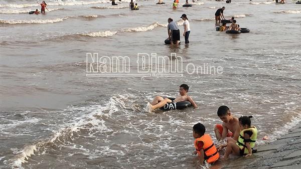 Nam Định: Nỗ lực đấu tranh phòng chống tội phạm và bài trừ tệ nạn xã hội tại khu du lịch biển Quất Lâm