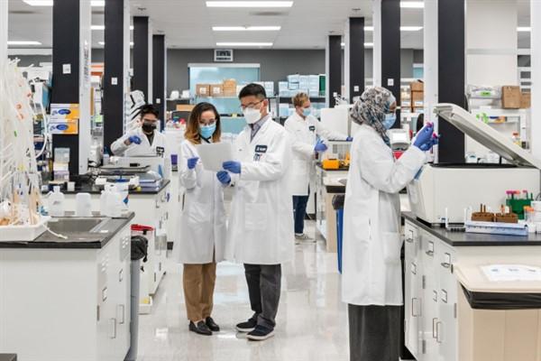 Vingroup nhận chuyển giao độc quyền công nghệ sản xuất vắc xin mRNA phòng covid -19 tại Việt Nam