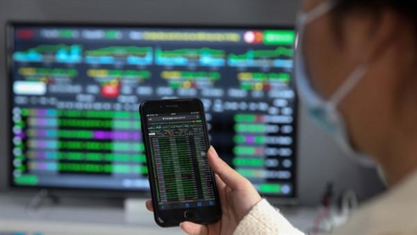 Thị trường chứng khoán hôm nay 16/9: Thử thách vùng cản gần ngưỡng 1.355 - 1.365 điểm