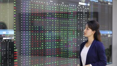 Thị trường chứng khoán hôm nay 27/10: Kiểm định lại ngưỡng kháng cự 1.400 điểm