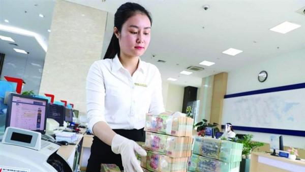 Tổng tài sản và tiền gửi khách hàng tại nhiều ngân hàng sụt giảm bất thường